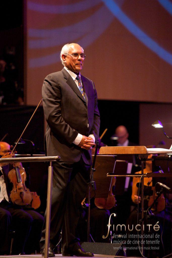 Trevor Jones op het podium tijdens Fimucité